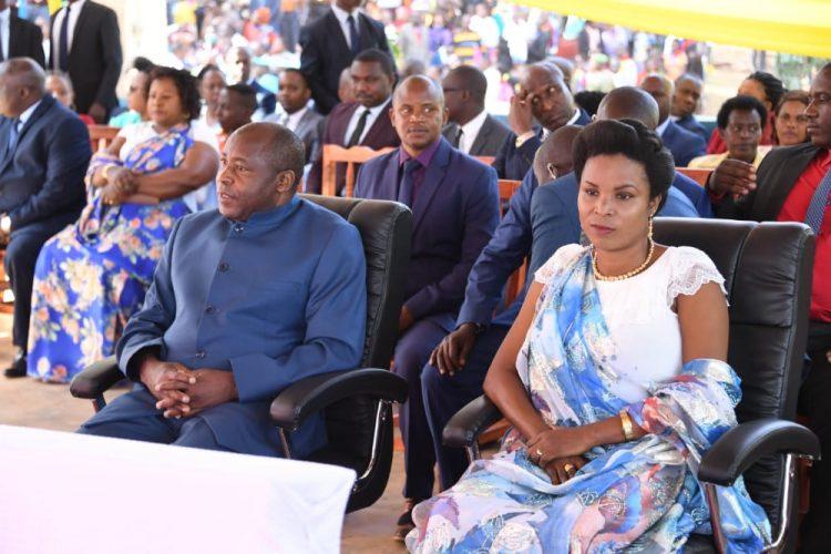 Umuryango w'umukuru w'igihugu wahimbarije umusi mukuru w'iyurira mw'ijuru rya Bikira Mariya i Mugera ku Kirimba ca Bikira Mariya